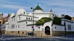 مسجد باريس يطلب رخصة لفتح المساجد ليلة القدر 5 ساعات
