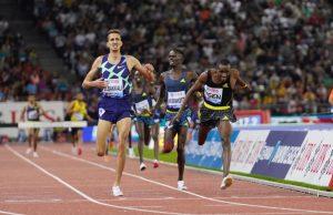 العداء المغربي سفيان البقالي يفوز بسباق 3000 موانع بكينيا
